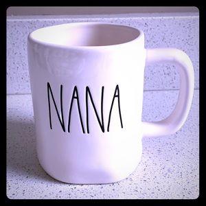 2/$35👵🏼 RAE DUNN NANA COFFEE TEA MUG